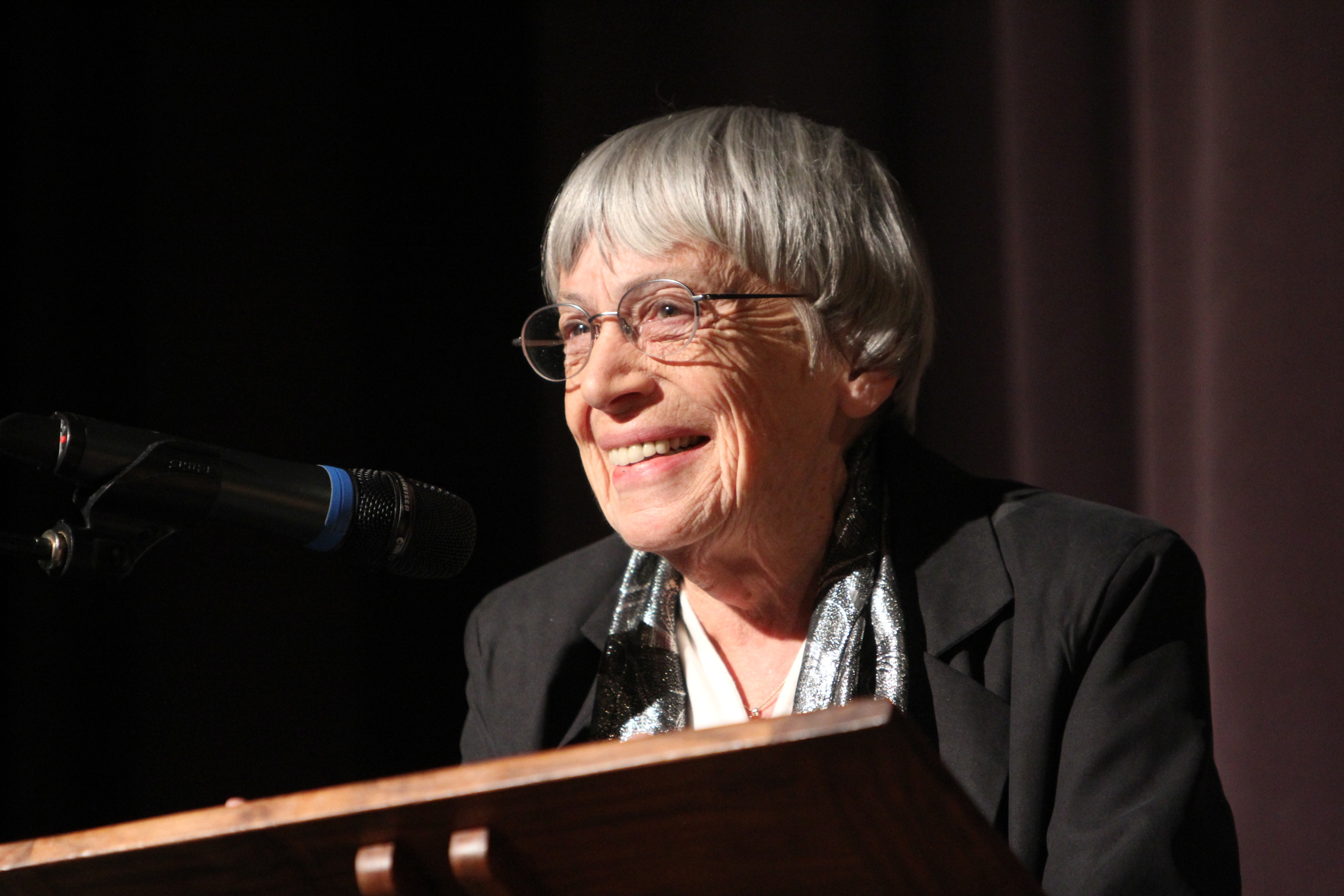Ursula Le Guin at rostrum