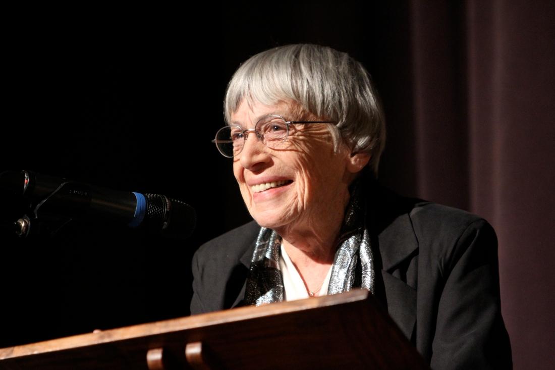 Ursula Le Guin at rostrum